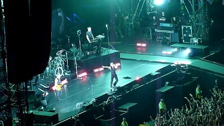 Publiczność daje popis na koncercie Depeche Mode w Warszawie