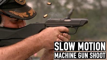Męskie zabawy z bronią każdego kalibru