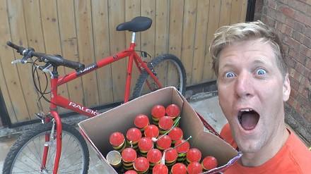 Colin Furze świętuje 5 mln subów. Zrobil rower napędzany 1000 fajerwerków
