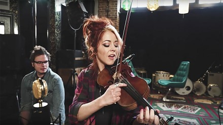 Piękna i utalentowana Lindsey Stirling w coverze Green Day
