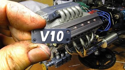 Budowa tego silnika trwała ponad 3 lata - miniaturowy V10 125cc