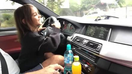 Dziewczynka prowadzi 700-konne BMW M5