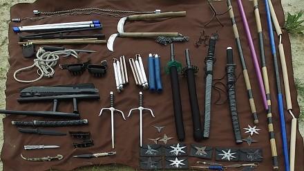 Kolekcja broni ninja - arsenał tajemniczych wojowników cienia
