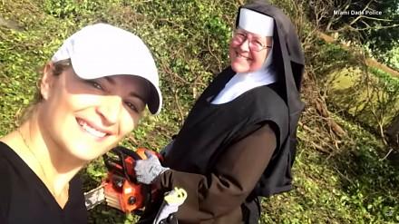 Amerykańska zakonnica z piłą łańcuchową