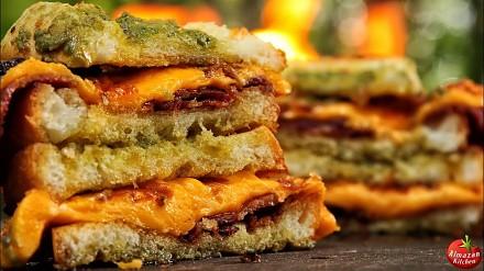Bekonowo-serowe tosty od AlmazanKitchen