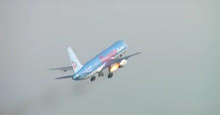 Awaryjne lądowanie Boeinga 757 po tym, jak ptak zniszczył silnik samolotu