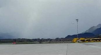 Niebezpieczne lądowanie samolotu w Salzburgu
