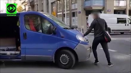 Kierowca rzuca się na przechodnia i inne przypadki drogowej furii