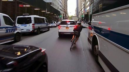Efektowne jeżdżenie rowerem po Nowym Jorku