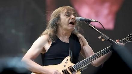 Uhonorowanie Malcolma Younga - giarzysty i założyciela AC/DC