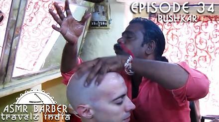 Kosmiczny masaż głowy w Indiach
