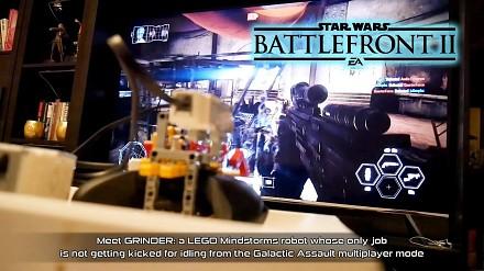 Robot z klocków LEGO gra w nowego Battlefronta