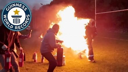 Podpalił i pobiegł, by pobić rekord Guinnessa