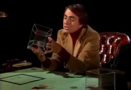 Carl Sagan opowiada o czwartym wymiarze