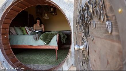 Kristie Wolfe buduje podziemny dom niczym hobbit