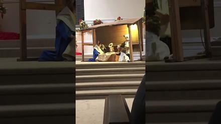 Dzieci prawie pobiły się o Jezuska w trakcie jasełek