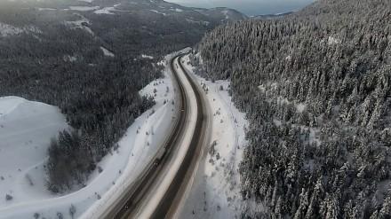Piękna zimowa sceneria Kanady w ujęciach z drona
