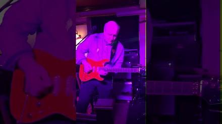 Kiedy dasz dziadkowi gitarę...