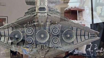 Niesamowity model LEGO niszczyciela z ponad 20 000 części