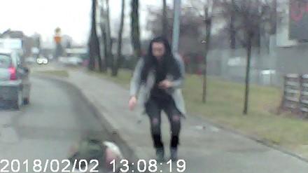 Pieszy w Bielsku-Białej wszedł prosto pod samochód