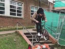 Fajny trik na BMX-ie