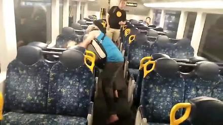 Pobili się w pociągu do Sydney, ale finał był nieoczekiwany