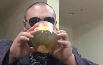 Tak się pije dziwne drinki w Azji