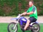 Grill z kumplami zakończony pijacką jazdą na motocyklu