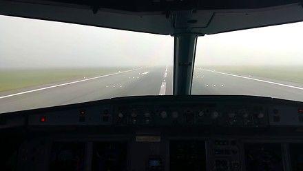 Airbus A320 i automatyczne lądowanie we mgle w Warszawie