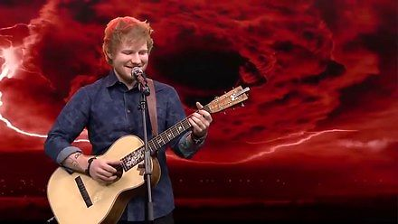 Ed Sheeran śpiewa heavy metal