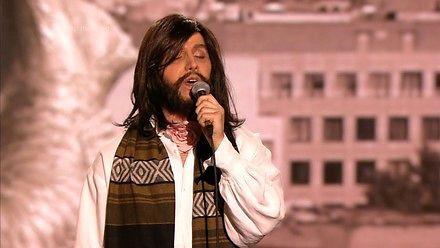 Filip Lato jako Czesław Niemen. Szczena opada!