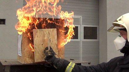 Demonstracja rozwoju pożaru w małym domku