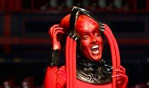 """Dharni i Red Diva w świetnym coverze z """"Piątego elementu"""""""