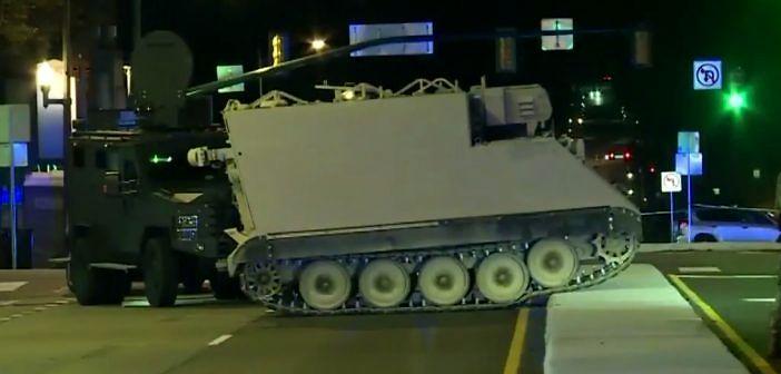 Pościg za skradzionym z bazy wojskowej transporterem opancerzonym