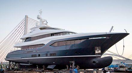 Luksus i przepych - największy jacht zbudowany w Polsce