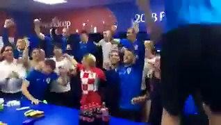 Tak pani prezydent Chorwacji świętowała z piłkarzami awans do 1/2 MŚ
