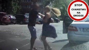 Damski bokser w mercedesie - próba kradzieży kamerki