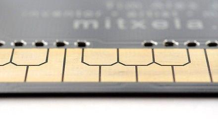 Karta kredytowa z funkcją stylofonu