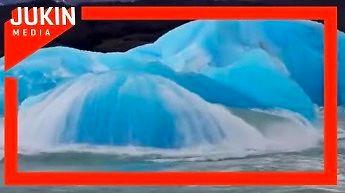 Z wody wynurzyła się góra lodowa
