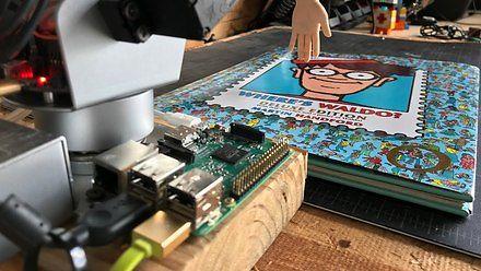 Robot, który psuje całą zabawę w poszukiwaniu Wally'ego