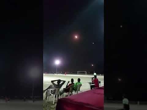 Kiedy prowadzą ostrzał rakietowy nad boiskiem, ale masz miejsca w pierwszym rzędzie
