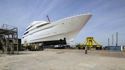Budowa eksluzywnego jachtu Lonian (timelapse)