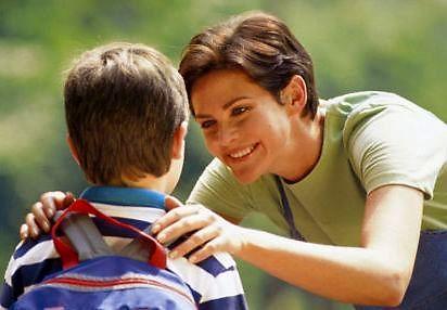 Cieszycie się, dzieci, na pierwszy dzień szkoły? Tatuś was odprowadzi