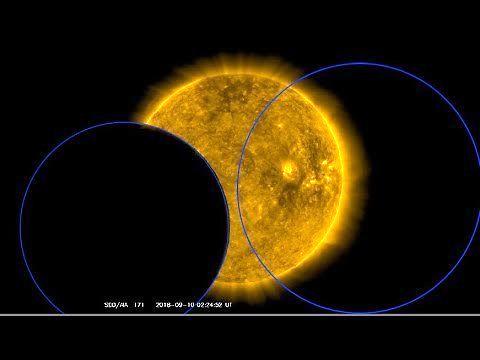 Dwa duże tajemnicze obiekty przeleciały koło Słońca. Co to było?