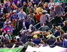 Policja kontra pseudokibice w latach 90.