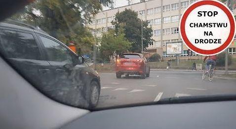 Mistrz kierownicy i skręt w lewo