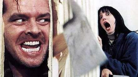 """Jack Nicholson przygotowuje się do słynnej sceny rozwalenia drzwi w """"Lśnieniu"""""""