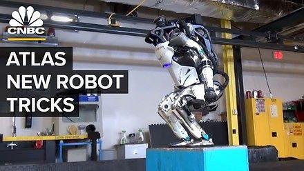 Robot Atlas uprawia parkour!