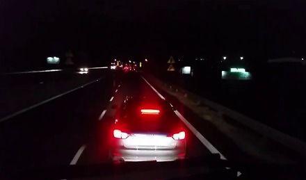 Szeryf w Audi A4 tresuje kierowcę ciężarówki