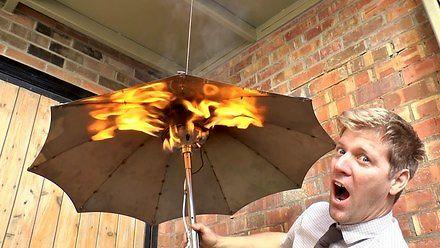 Colin Furze stworzył parasol ogrzewany propanem, bo czemu nie